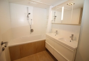 1160 Vienna, Thaliastraße bathroom